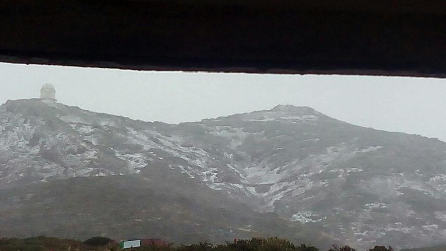 Estampa invernal este viernes, 23 de diciembre, en el entorno del Roque de Los Muchachos. Foto: Toni Ferrer.