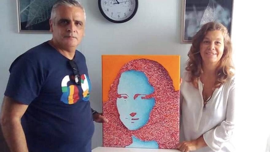 El artista palmero Santiago Jorge dona un cuadro a la Asociación Canaria de Amigos del Pueblo Saharaui