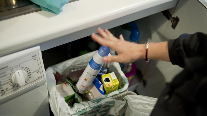 El 73,6% de los cántabros destina espacios en el hogar para reciclar