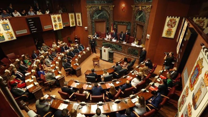 La Asamblea Regional durante su sesión constitutiva