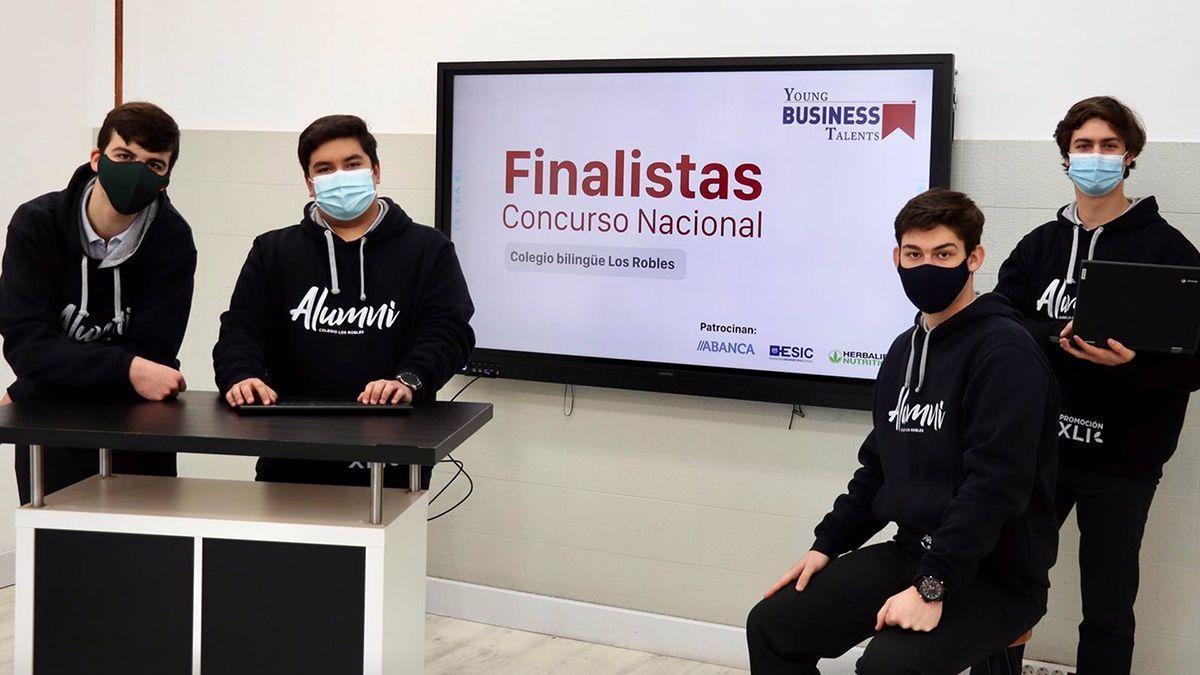 Uno de los grupos de estudiantes finalistas del concurso nacional.