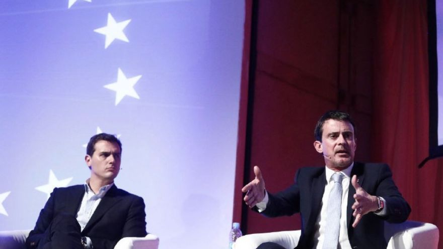 Manuel Valls junto a Albert Rivera en el acto de Ciutadans