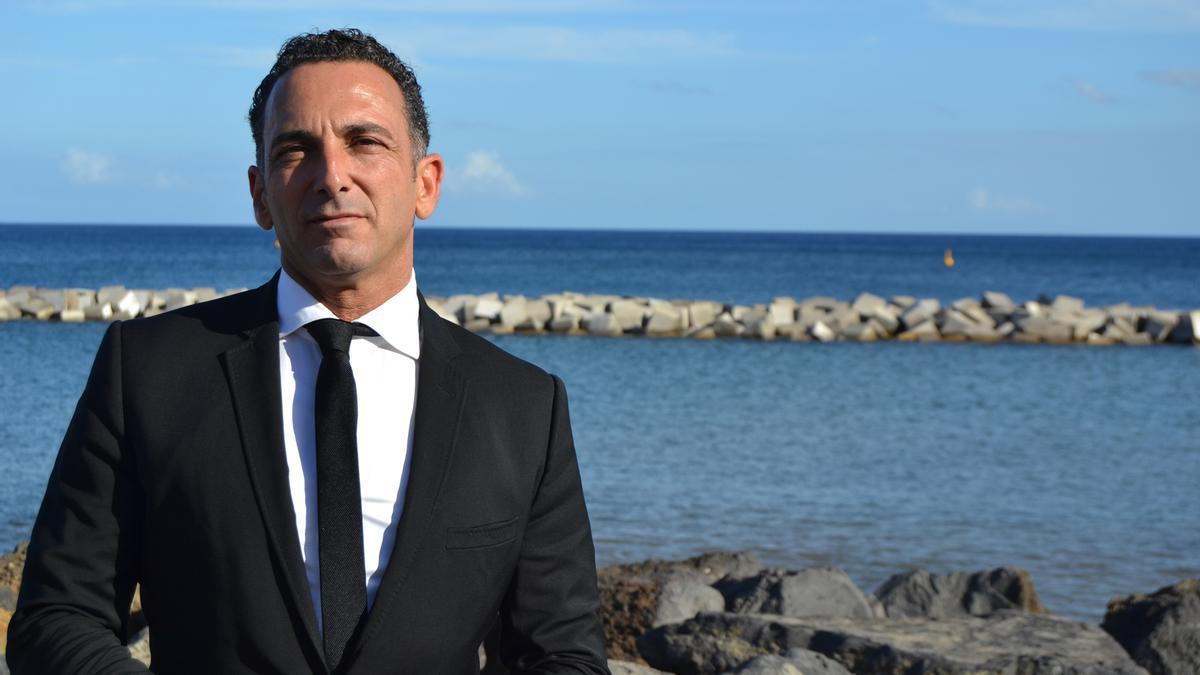 Enrique Rosales, secretario de la concejala tránsfuga en Santa Cruz de Tenerife