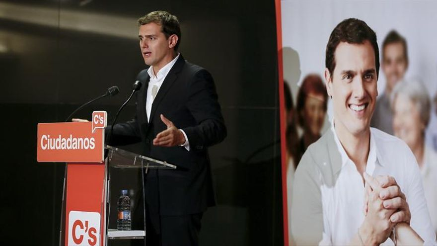 """Rivera, convencido de que Rajoy cumplirá """"lo firmado"""" sobre amnistía fiscal"""