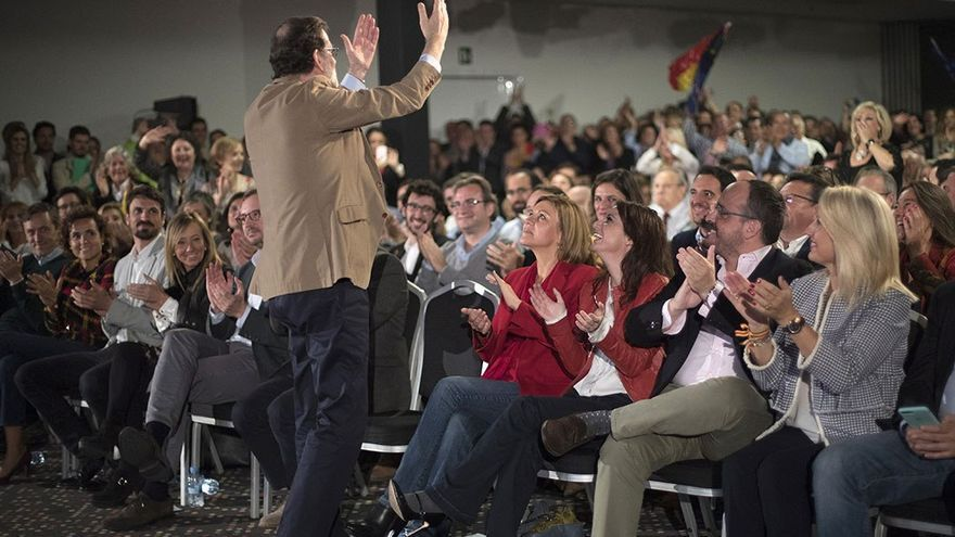 Rajoy en un encuentro electoral popular en Catalunya. (EFE).