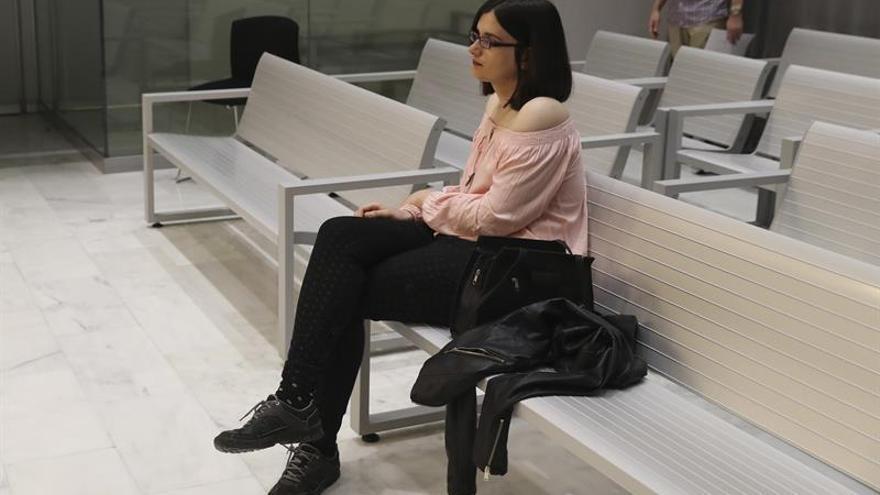 La tuitera Cassandra, en el banquillo de la Audiencia Nacional acusada de enaltecimiento del terrorismo