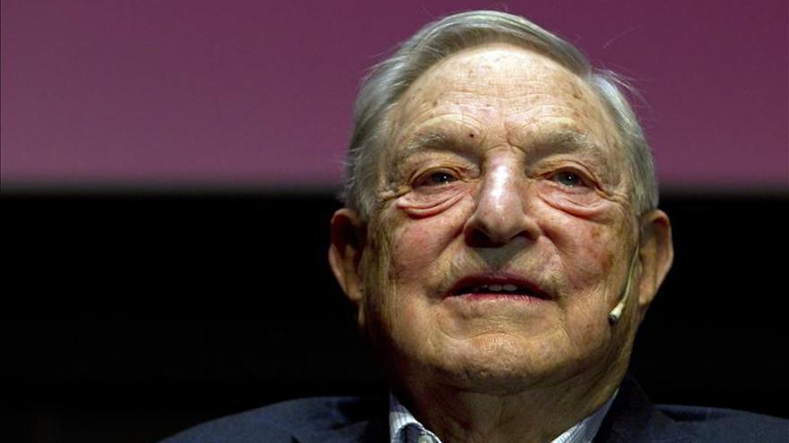 Soros, del temido especulador en los mercados al filántropo y conferenciante