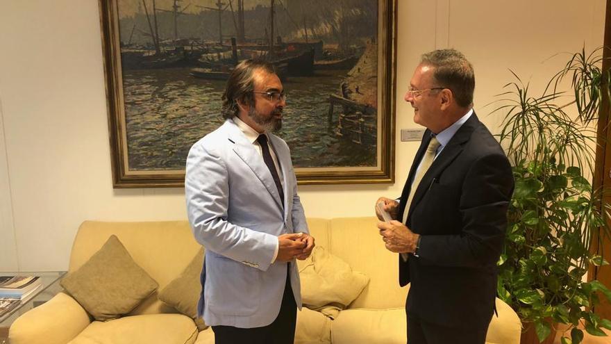 El consejero de Presidencia, Pedro Rivera, se reunió hoy en Madrid con el director general de Bellas Artes del Ministerio de Cultura, Román Fernández-Baca