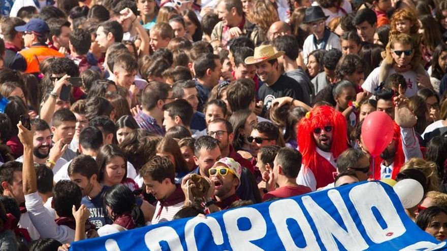 Miles de personas abren un San Mateo marcado por el protagonismo de la calle