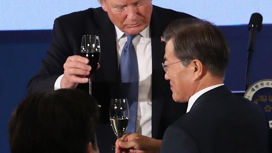"""Trump le dice a Corea del Norte que quiere la paz """"a través de la fuerza"""""""