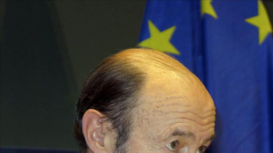 """Rubalcaba denuncia la austeridad """"suicida"""" de la UE y pide un cambio de política"""
