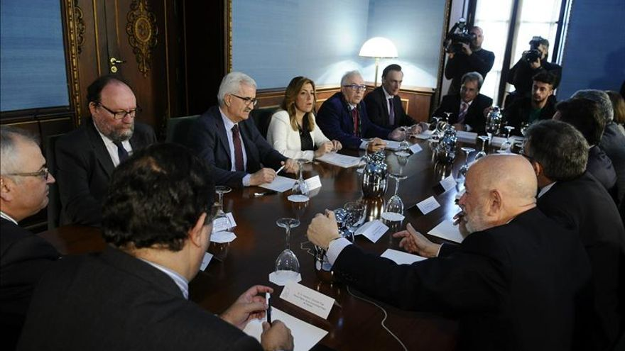 Andalucía pacta mantener el sistema universitario y una moratoria de dos años