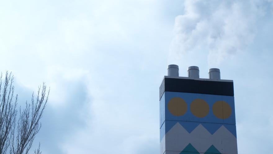 La central termica de Orcasitas combate la pobreza energética con calefacción por 36€ al mes
