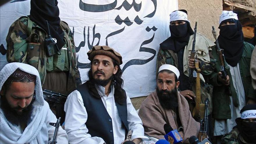 """El líder de los talibanes paquistaníes muere en el ataque de un """"drone"""" de EE.UU."""