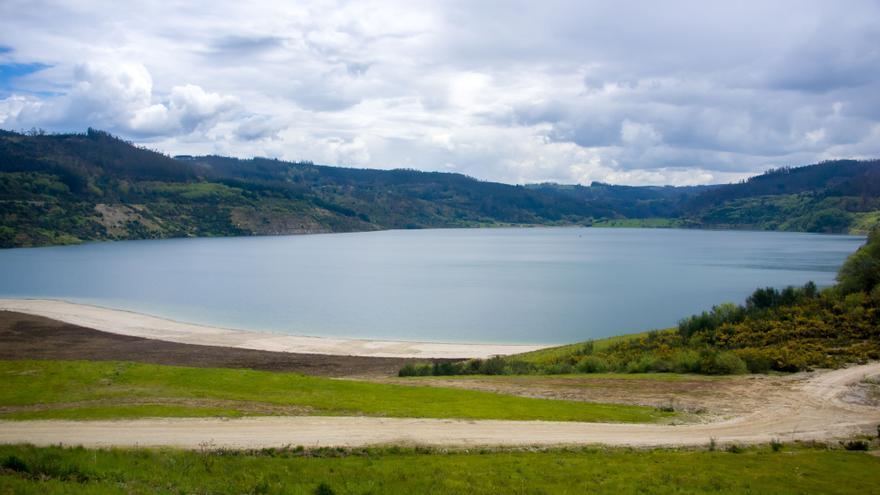 Una antigua mina reconvertida en lago