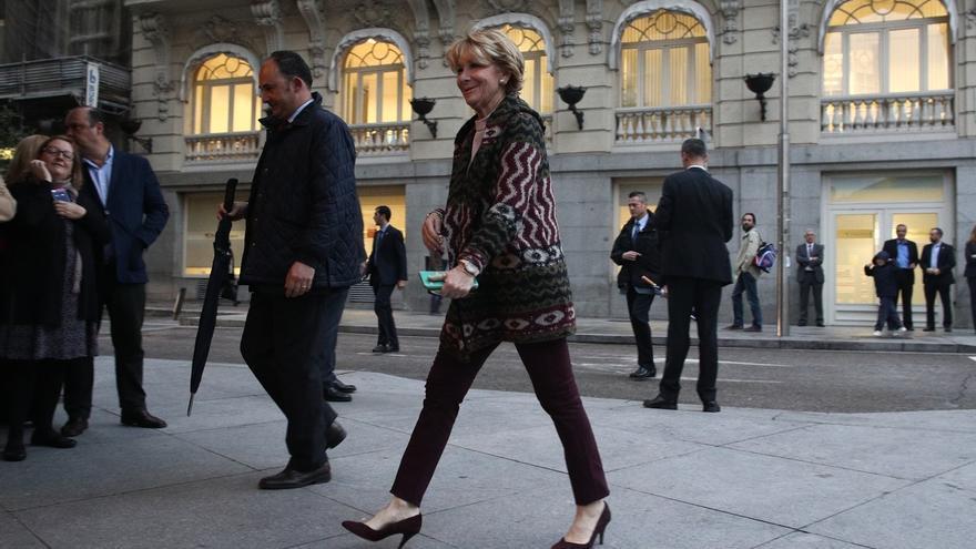 """Aguirre ve compatible que Cospedal sea ministra de Defensa y secretaria general del PP, pero """"lo decidirá el Congreso"""""""