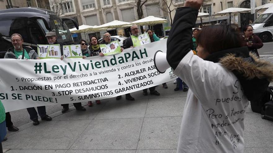 Una plataforma pide no desalojar a una familia de Oliva apoyada por la ONU