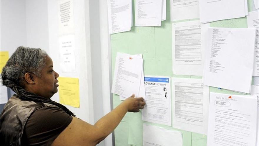 Suben a 362.000 los pedidos semanales del subsidio por desempleo en EE.UU.