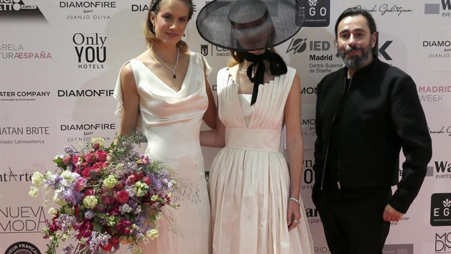 Las novias de Juanjo Oliva y Juana Martín respiran frescura