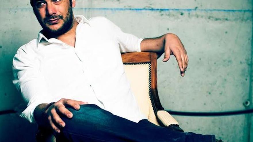 El artista Alberto de Paz es el impulsor del Festival de la Palabra de Garafía.
