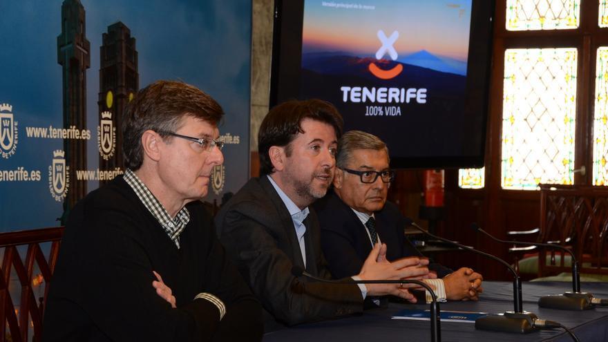 Carlos Alonso (c) junto a Miguel Becerra y Miguel Ángel Santos (d).