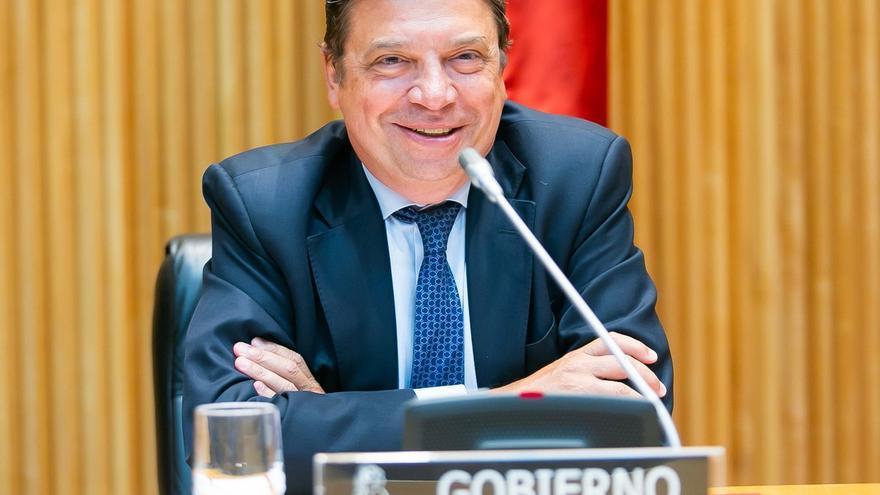 El juez archiva la causa contra el ministro Planas por los robos ilegales de agua en Doñana