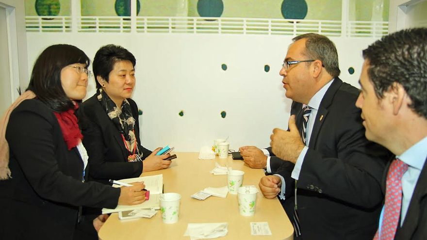 Juan Domínguez, en China, en plena acción promocional.