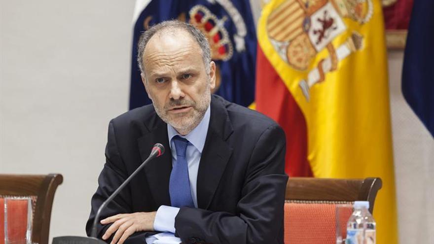 El catedrático de Derecho Administrativo de la Universidad de La Laguna Francisco José Villar Rojas. EFE/Ramón de la Rocha