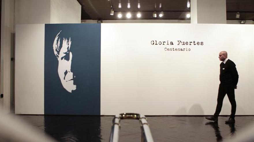 Gloria Fuertes protagoniza y tiñe de mujer el Día Internacional de la Poesía