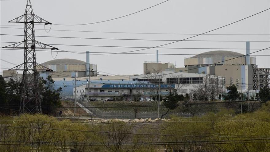 Corea del Sur detiene dos reactores más por el uso de piezas no homologadas