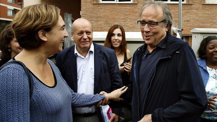 Serrat, Colau e izquierda catalana reivindican la vigencia de las ideas de Allende