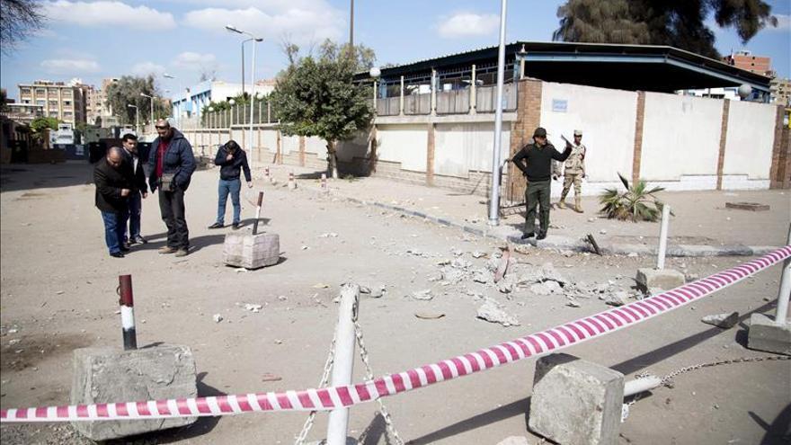 Tres miembros de las fuerzas egipcias resultan heridos en ataques en el Sinaí