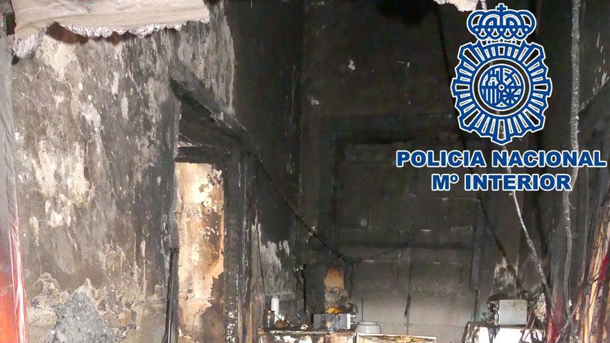 Interior de la casa quemada en Arrecife