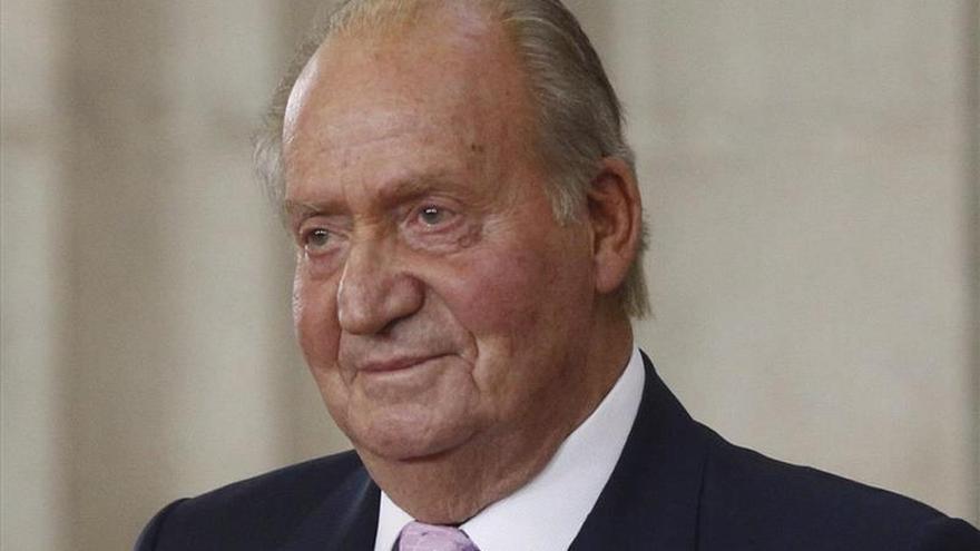 El Supremo admite a trámite la demanda de paternidad de Sartiau contra el rey Juan Carlos.