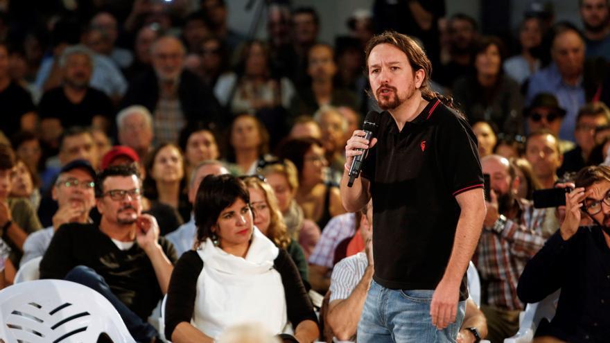 Pablo Iglesias, durante un mitin en Jerez de la Frontera en presencia de Teresa Rodríguez.
