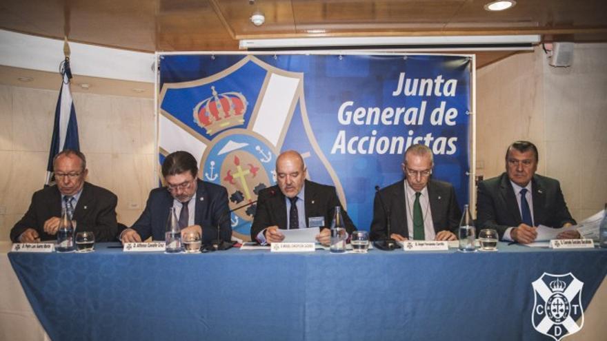 La junta del próximo diciembre, una de las más esperadas en mucho tiempo en el CD Tenerife.