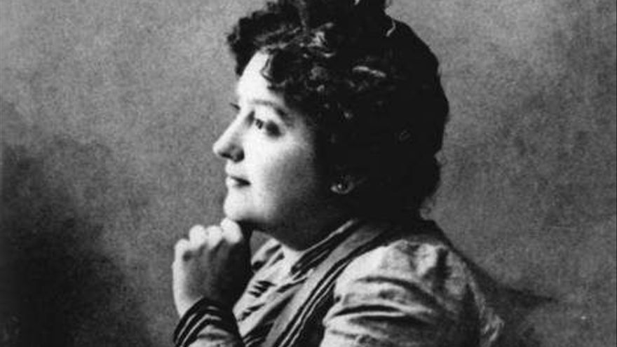 La escritora y periodista Carmen de Burgos, 'Colombine'