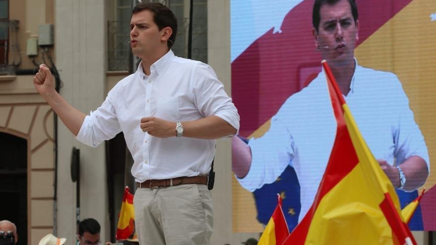 Rivera (Cs) plantea que los partidos deban obtener un 3% del total nacional de votos para entrar en el Congreso