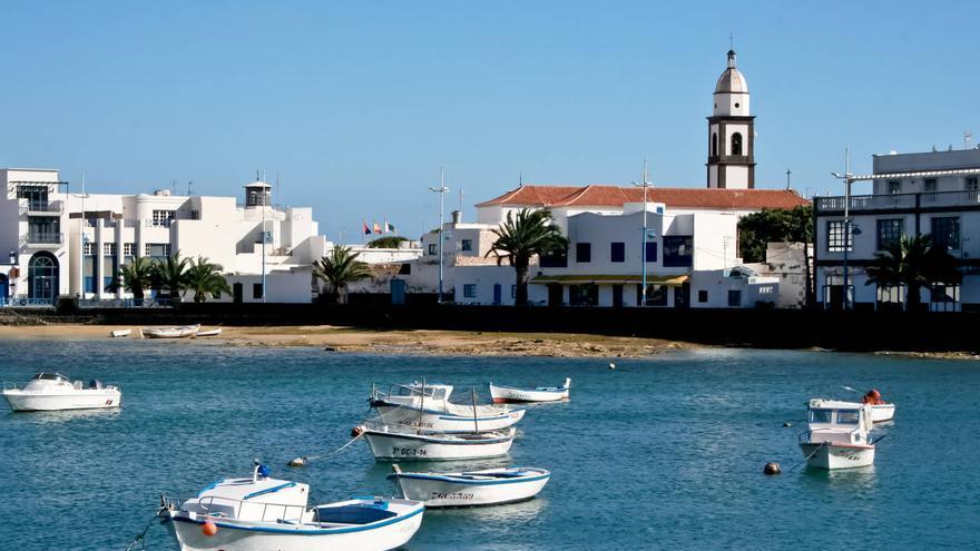 Casco histórico de Arrecife de Lanzarote desde el Charco de San Ginés. VIAJAR AHORA