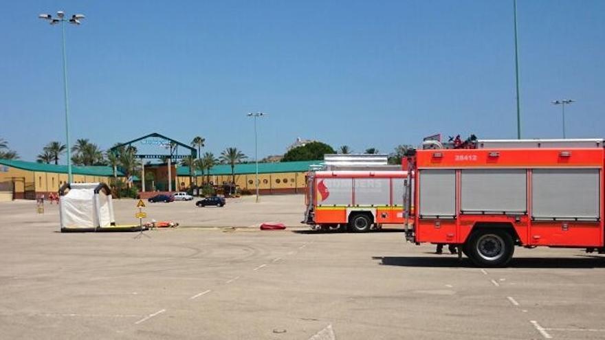 Los bomberos han acudido al parque acuático cuando todavía no estaba abierto al público
