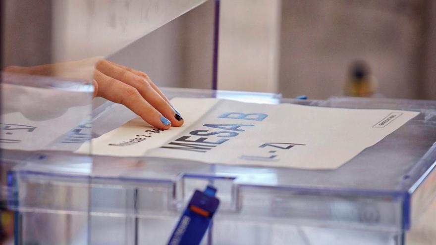 Cinco de los seis principales candidatos madrileños votan este martes