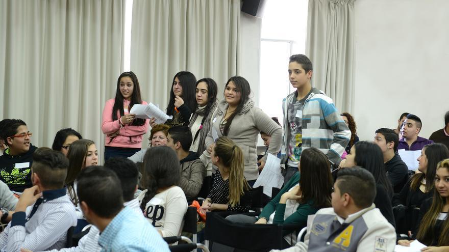 Imagen del Encuentro de Estudiantes Gitanos celebrado en enero en Madrid al que acudieron jóvenes gitanos de toda España/ ©Jesús Salinas.