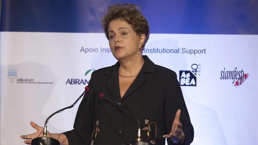 Rousseff dice que Petrobras merece y sociedad exige el fin de la corrupción