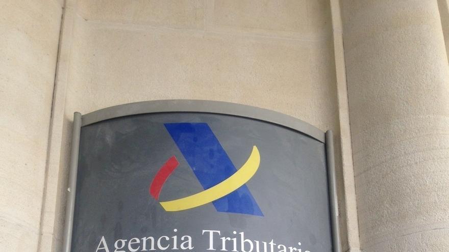 Los contribuyentes con deudas de hasta euros podr n for Oficina virtual de la agencia tributaria