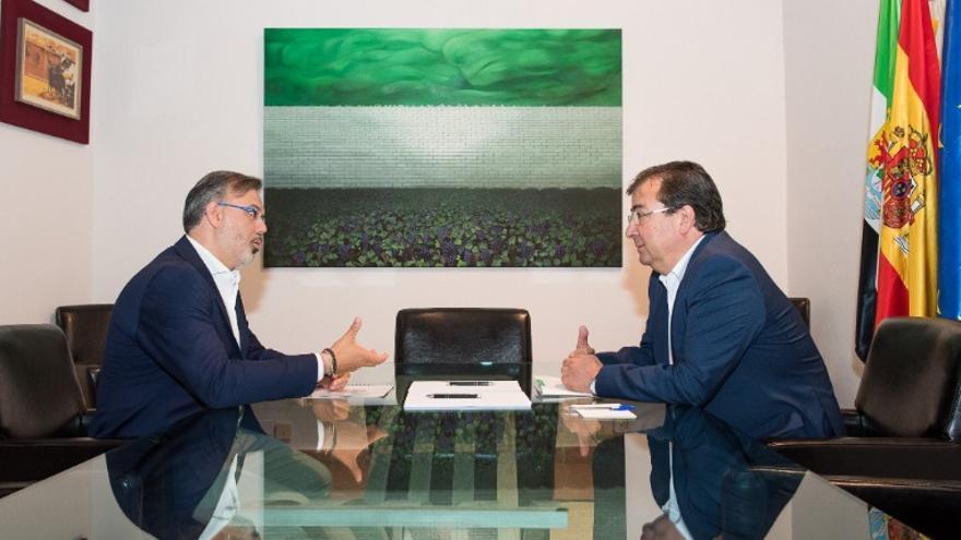 El presidente de la Junta, Guillermo Fernández Vara, se reúne con el alcalde de Plasencia, Fernando Pizarro