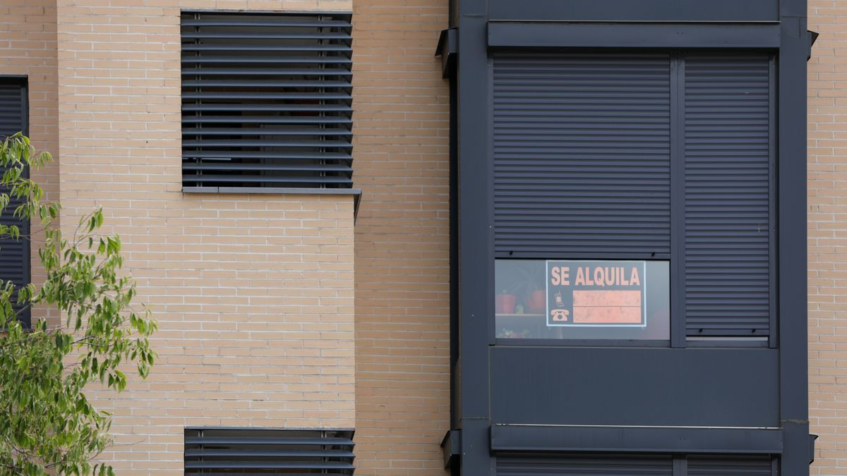 Cartel de 'Se Alquila' en una vivienda