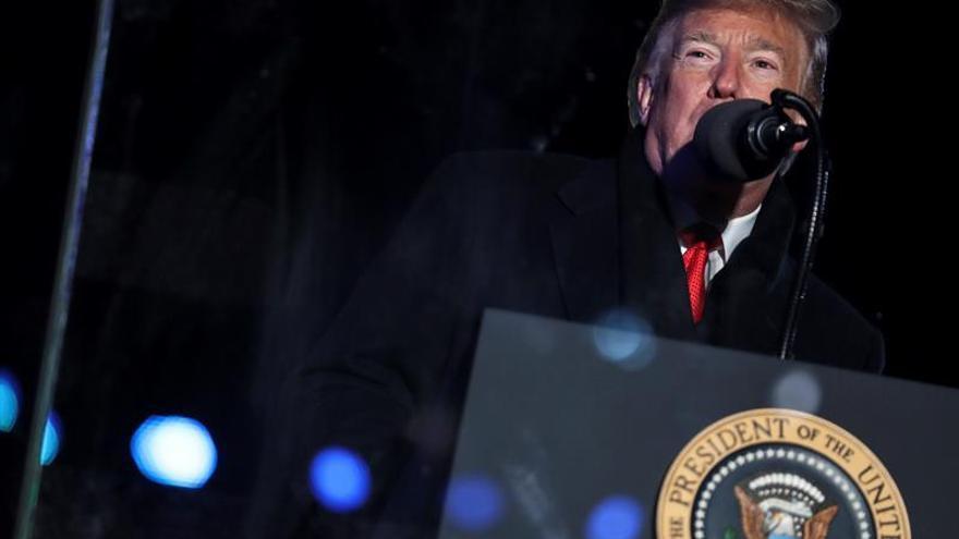 """Congresistas urgen a Trump a mantener """"su compromiso"""" sobre gasto en Defensa"""