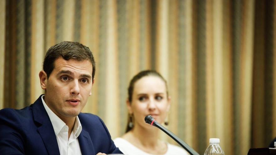 Rivera advierte a Rajoy de que es el PSOE el que tendrá que ponerle condiciones a cambio de abstenerse