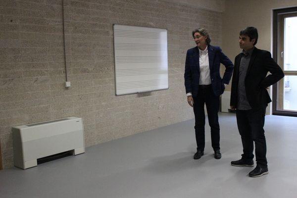 Higueras y García Castaño en una de las aulas de danza de la Escuela Municipal de Música y Danza de la calle Farmacia, 13 | Fotografía: Somos Chueca