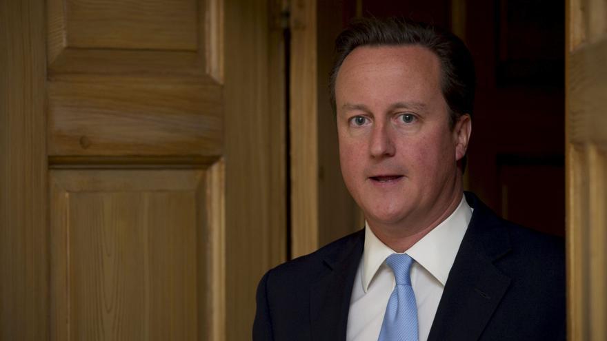 Cameron habla con Hollande y Merkel sobre la fusión de BAE y EADS